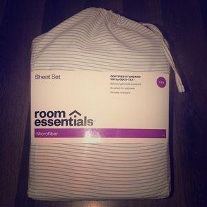 New w/ tags Room Essentials Sheet Set
